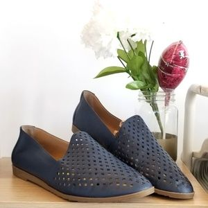 FRANCO SARTO Frontier Perforated Leather Flat Navy
